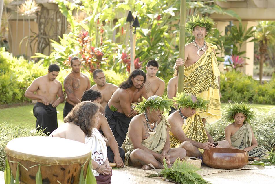 celebration-of-the-arts-ritz-cartlon-kapalua-maui-awa-ceremony-gallery
